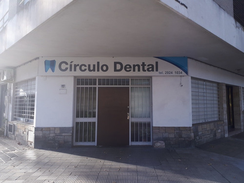 dentista consultorio odontologico ortodoncia implantes