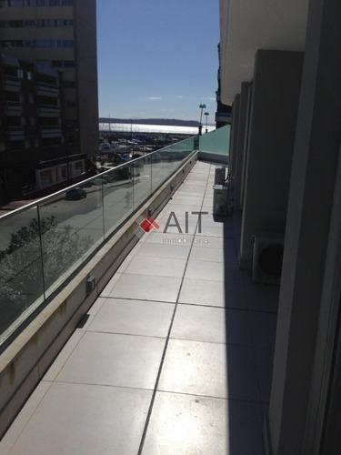 departamento 3 dormitorios. 100m2 de terraza con parrillero y jacuzzi, y 2 cocheras a una cuadra del puerto!! - ref: 5973