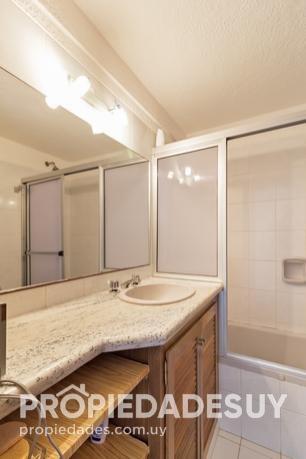 departamento en alquiler de 3 dormitorios - 2 baños en punta del este