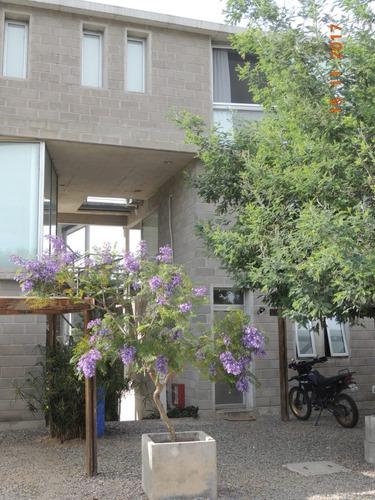 departamento en condominio living- 2 dormitorios 2 baños