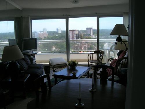 departamento en punta del este  excelente vista piso 14