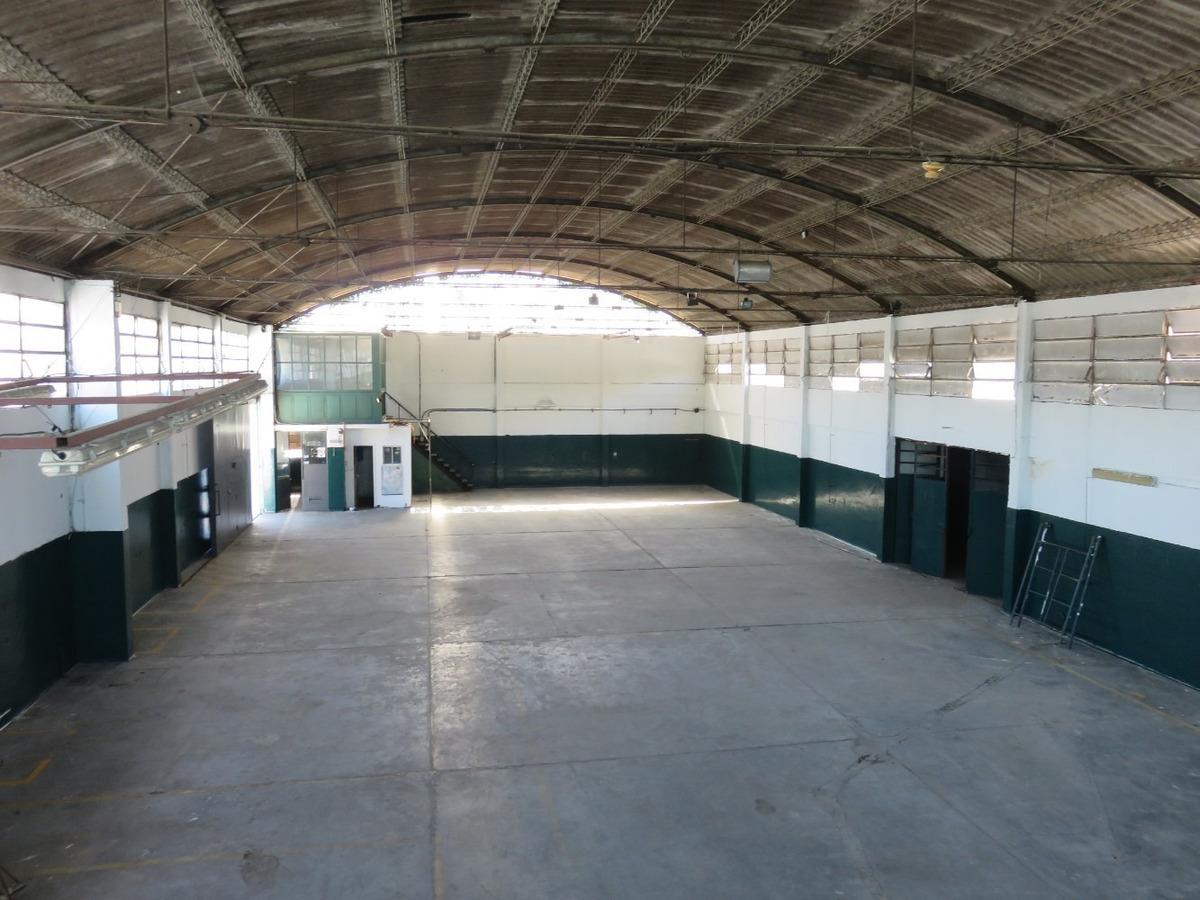 depósito 3.700 m2 sin columnas 400 m2 ofic. vestuarios baños