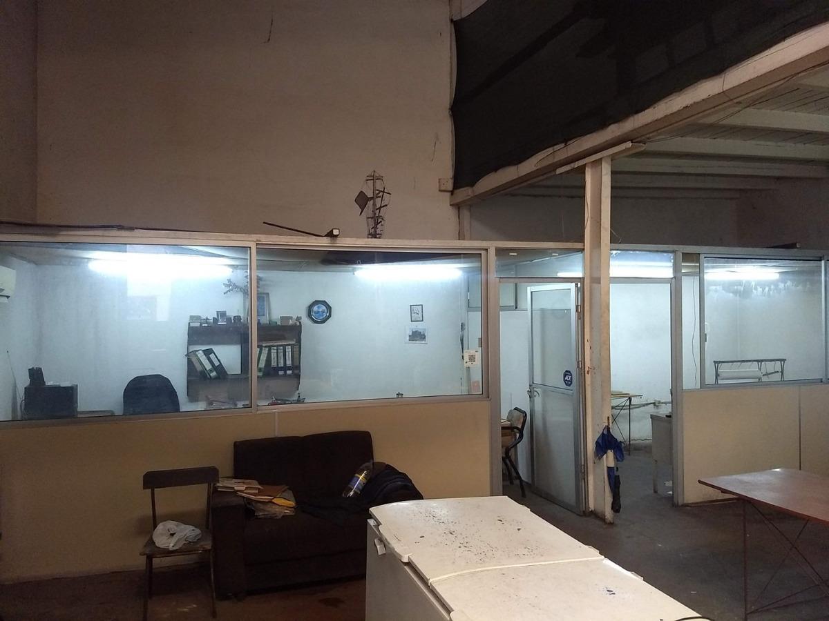 depósito con oficinas