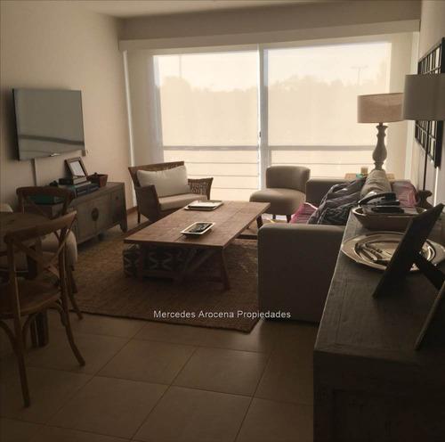 depto, 2 dormitorios. prox rambla. amplio y luminoso