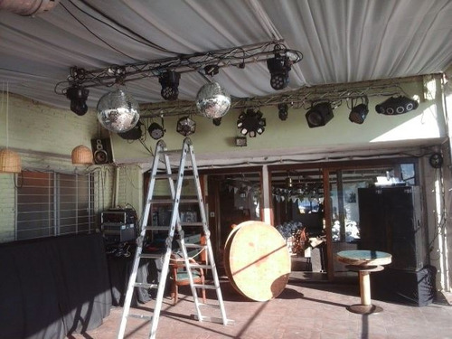 discoteca-pantalla-foto video-decoracion-continas led
