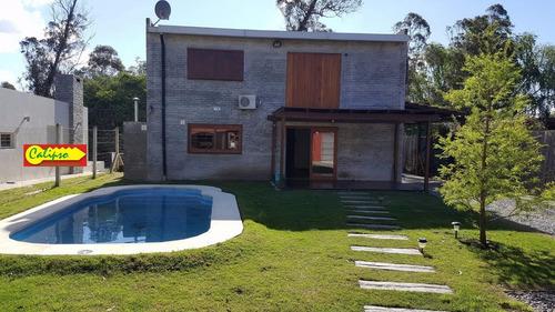 diseño moderno-3 dorm-3 baños-piscina- inmobiliaria calipso