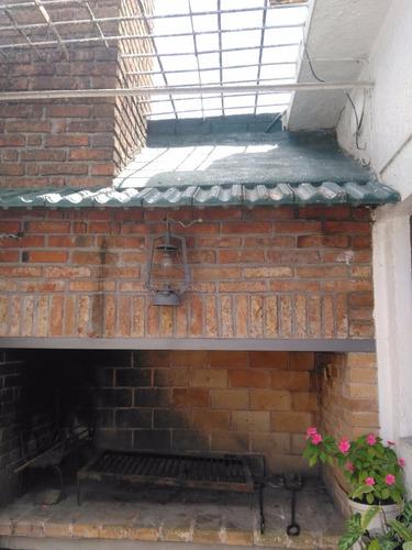 divina casa  de 2 plantas  jardín, garaje y barbacoa techada