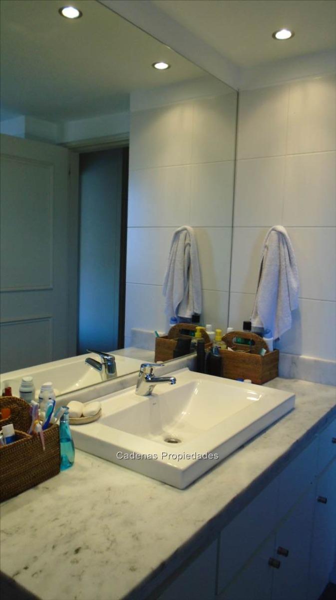 divino apartamento en zona muy linda y tranquila