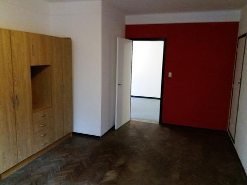 dos dormitorios, sin gastos comunes excelente ubicación!