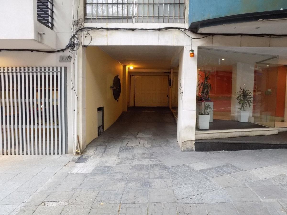 dueño alquila garaje en calle convención esq. san josé