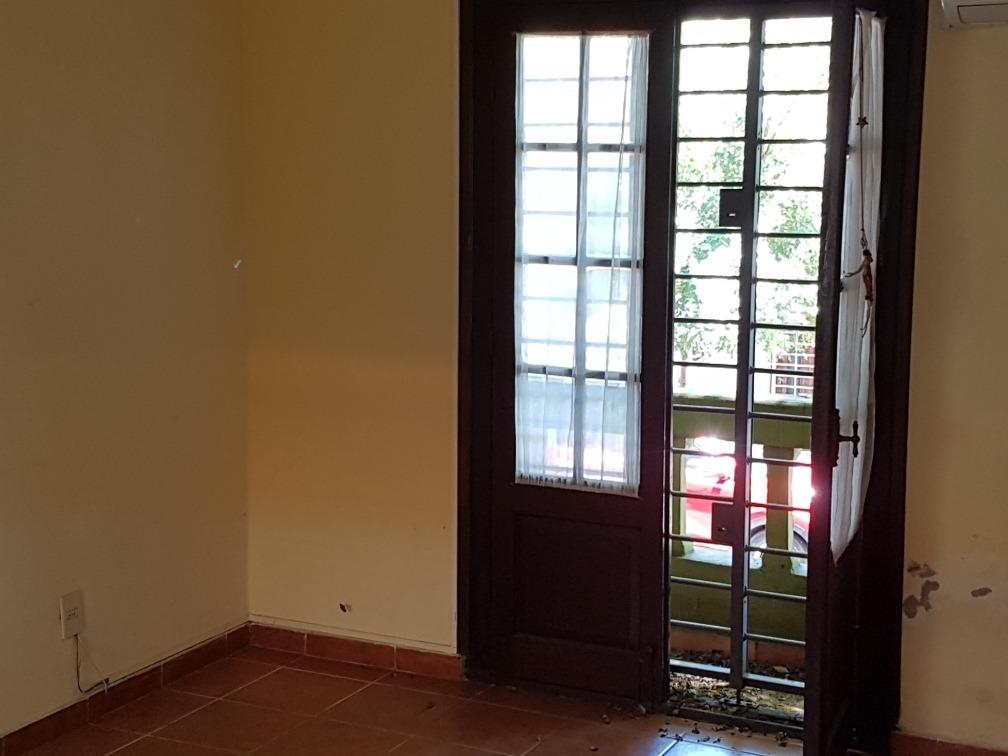dueño vende  apartamento  tipo casa de 2 dorm  cordon sur