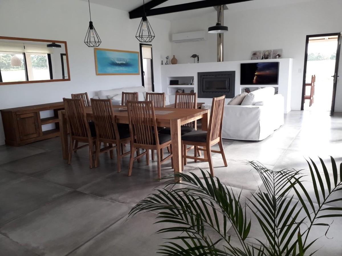 dueño vende casa en pueblo mio