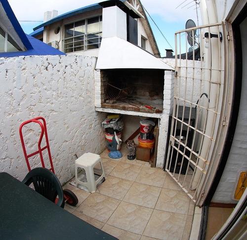 dueño vende hermoso y amplio estudio con patio parrillero