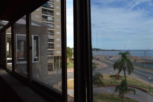 duplex con vista al mar, excelente zona y serv, oportunidad