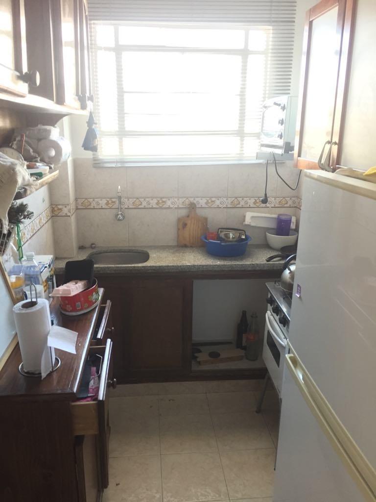 en alquiler apartamento 1 dormitorio. al frente con terraza.