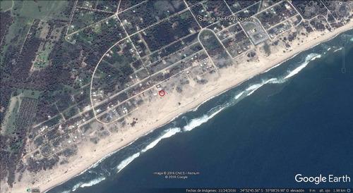 en primera fila sobre el mar: terreno esquina de 625 m²