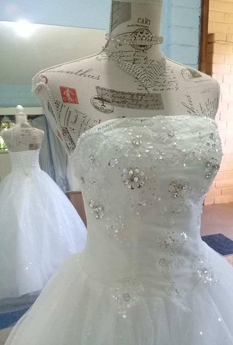 vendido en todo el mundo varios estilos el precio se mantiene estable En Stock! Vestido De 15 Novia Con Pedreria Encaje Brillos