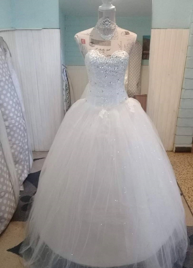 52c35f5b3 ... vestido de 15 novia escote corazon pedreria brillo. Cargando zoom.