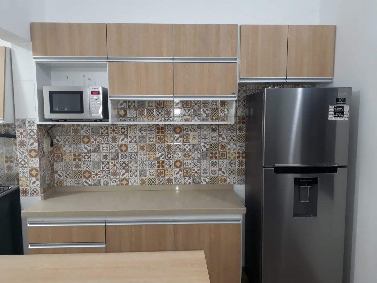 Equipamiento Para Cocina Con Barra Y Mueble Para Campana - $ 1.000 ...