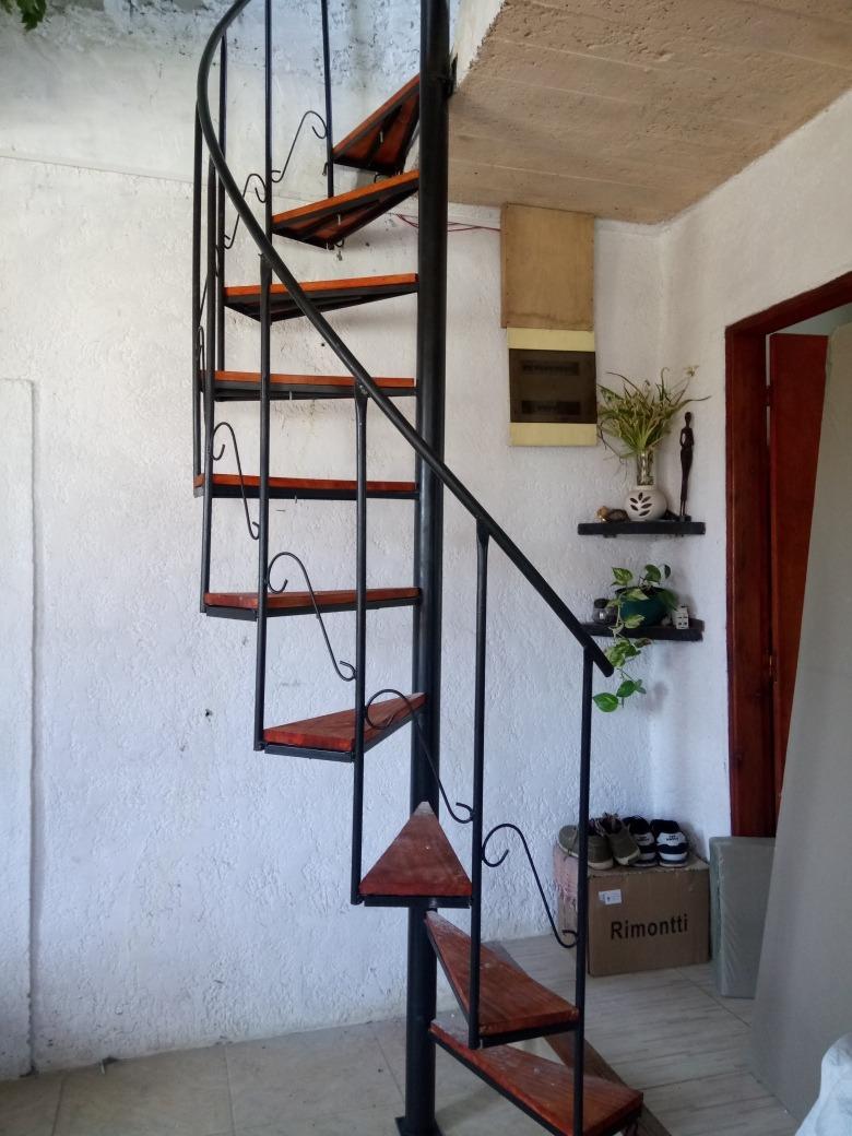 Escaleras caracol 8500 hierro y madera hasta 3mt 850 - Escaleras de caracol economicas ...