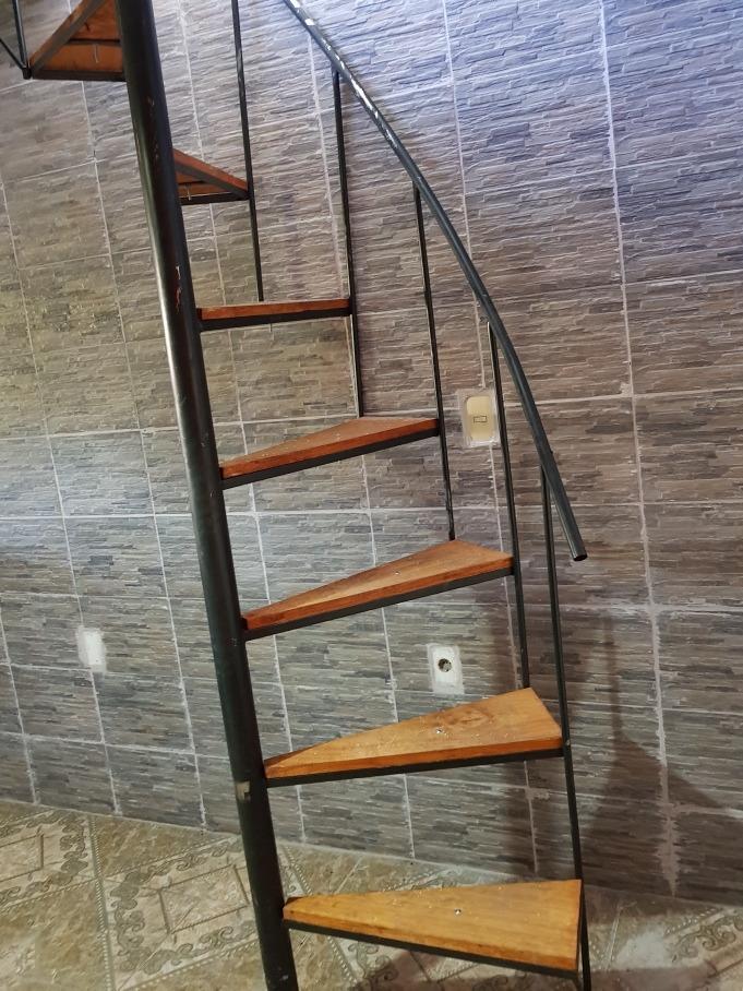 Escaleras caracol hierro 9800 y madera interior 980 00 - Escalera caracol de madera ...