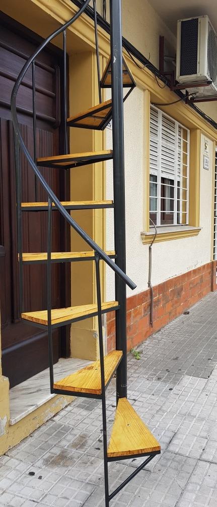 Escaleras Caracol Interior Y Exterior 10000 111100 En Mercado - Escaleras-de-caracol