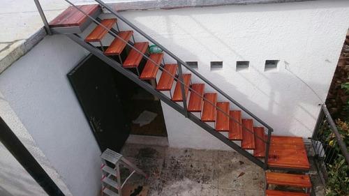 escaleras de hierro rects y caracol