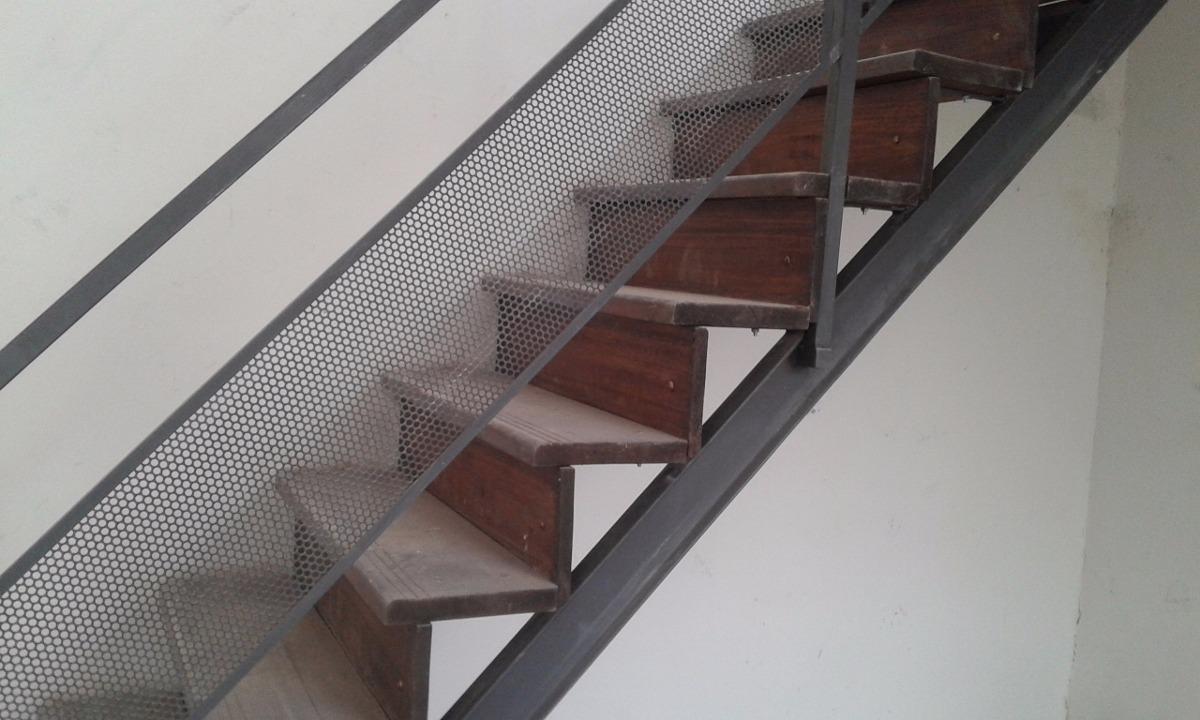 Escaleras hierro y madera en mercado libre for Escaleras metalicas exteriores precios