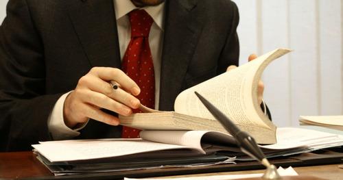 escribano público y abogado.consulta sin cargo