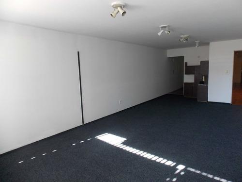 escritorio centro  en venta - colonia 1086 esc. 702