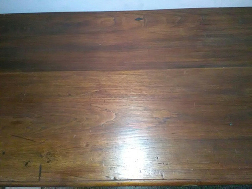 escritorio en cedro.