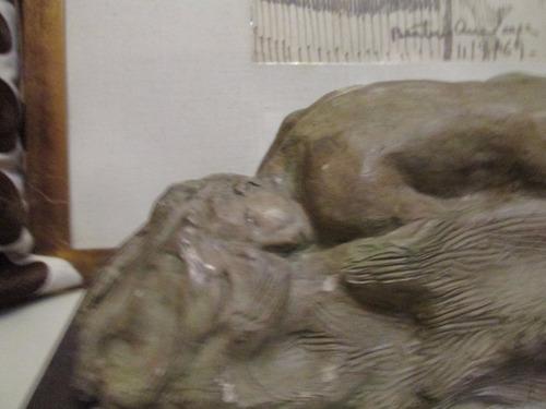 escultura desnudo mujer evoca  la danaide de a.rodín,hermoso