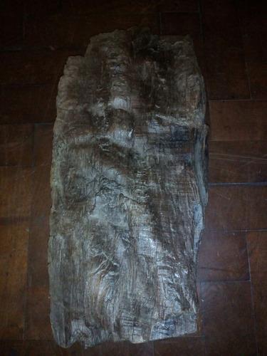 escultura rostro cara tallado a mano en madera tronco