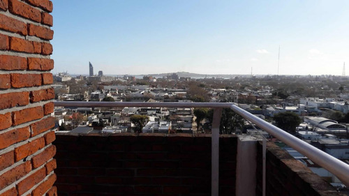 espectacular penthouse un dormitorio y gran terraza
