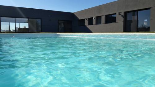 estrene casa 1 planta 4 dorm 2 suites piscina barrio privado