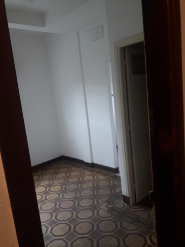 excelente apartamento con todo a la calle  - balcon dormitor