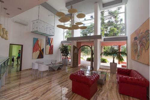 excelente apartamento equipado para cuatro huéspedes.