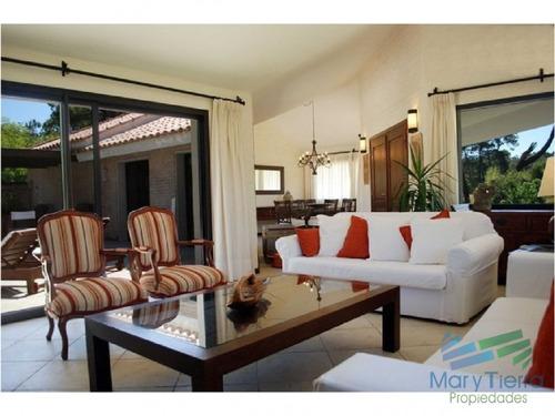 excelente casa con piscina en alquiler en rincon del indio, playa brava, punta del este. - ref: 1663
