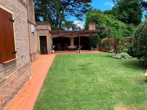 excelente casa en jardines de cordoba