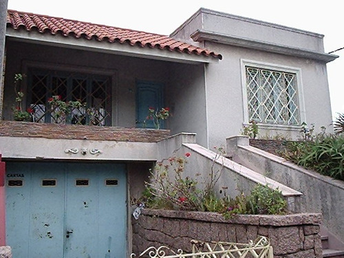 excelente casa en ramon anador px. l. a de herrera con 160 m