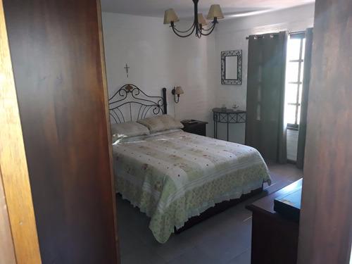 excelente chalet de 2 pisos, 2 dorm 1 en suite