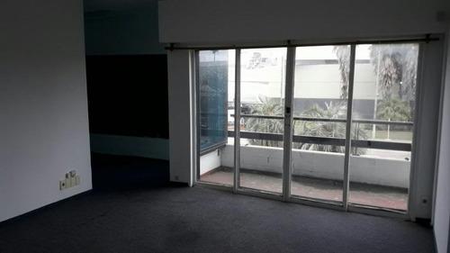 excelente local gran presencia 865 m2 edif. consulte.