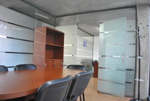 excelente oficina con todas las comodidades!