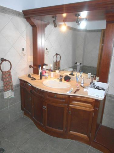 excelente ubicación. de 4 dormitorios 2 baños venta solymar