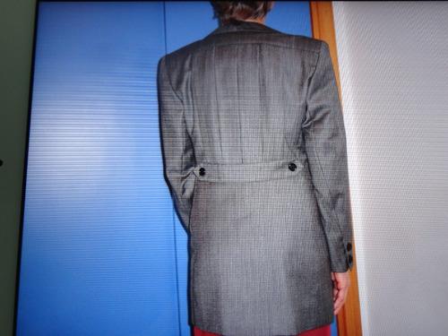 excepcional traje tailleur de la opera. original diseño.