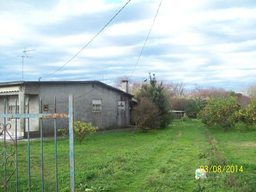 exelente casa, grande, funcional, mucho terreno y galpones