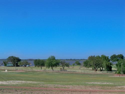 extraordinario terreno en barrio privado el faro - carmelo