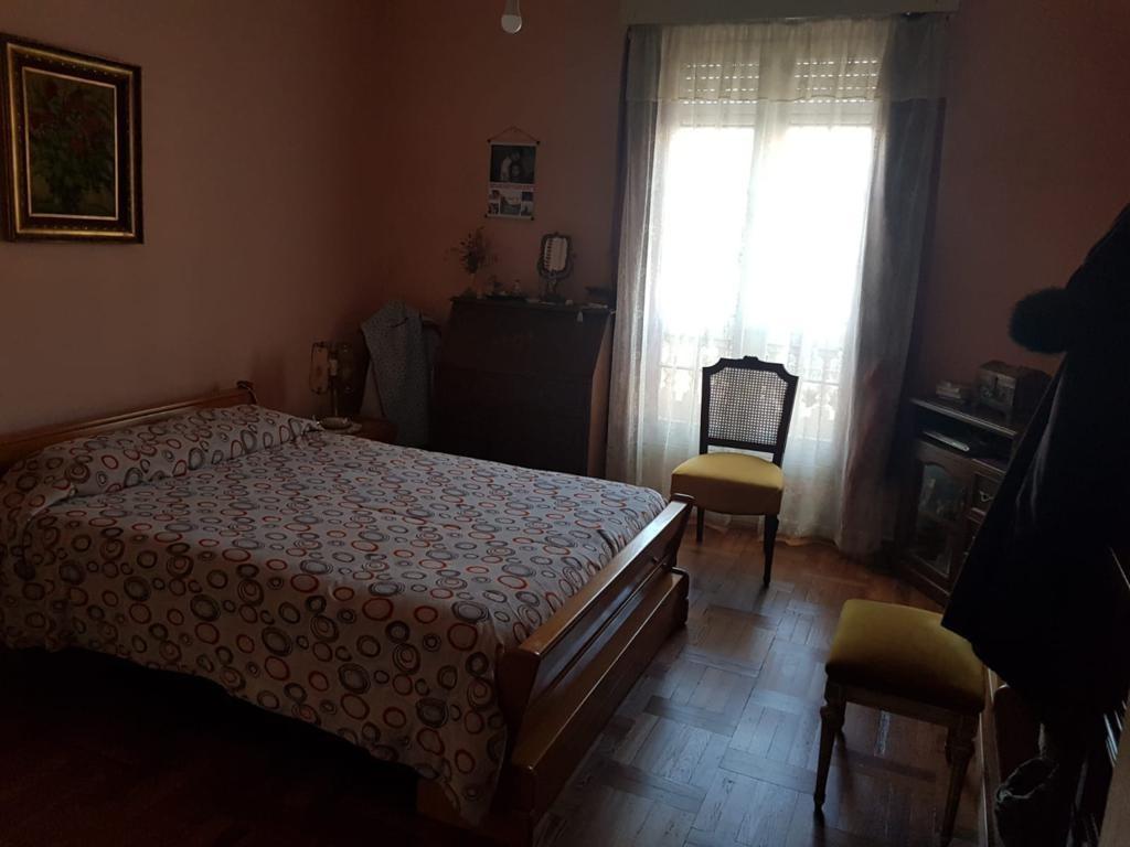 f. sánchez, gran propiedad. 4 dorm. 3 bñs, gg.-