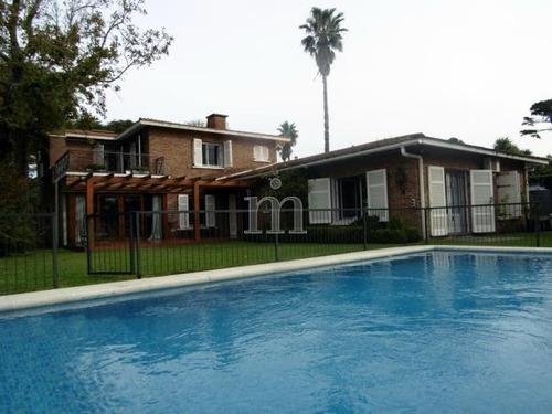fabulosa residencia de estilo sobre mar del plata.