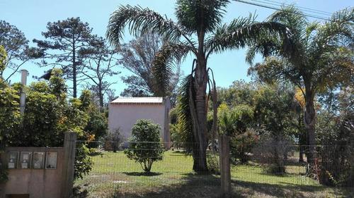 febrero 6 personas, rejas, jardin , balconada.